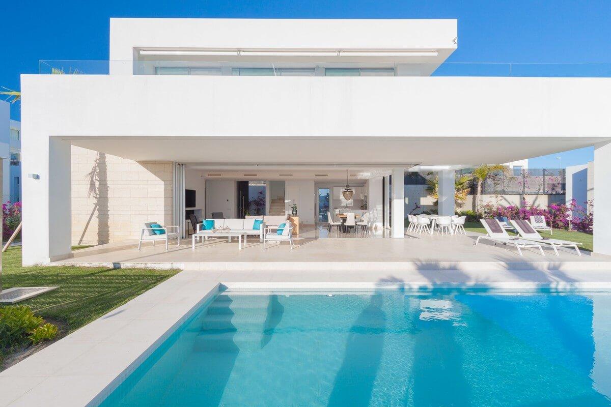 Villa a Rio Real con Vista Mare